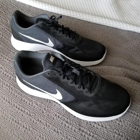 online store b338f 31167 Nike Revolution 3 Mens Size US 15
